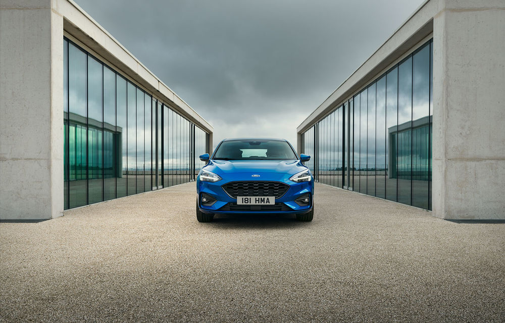 Informații despre viitorul Ford Focus ST: Hot Hatch-ul debutează în prima parte a anului viitor cu un motor pe benzină de 2.3 litri - Poza 1