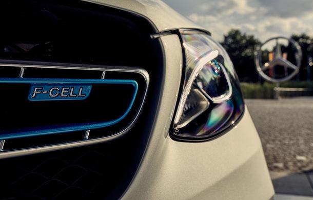 Mercedes începe livrările lui GLC F-Cell: primul hibrid alimentat cu hidrogen care are și baterie cu încărcare la priză sosește în Germania - Poza 4