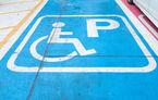 Proiect: amendă de până la 10.000 de lei și ridicarea mașinii pentru parcarea pe locurile destinate persoanelor cu handicap