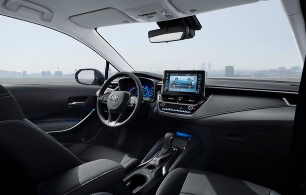 Toyota a prezentat noua generație a sedanului Corolla: platformă nouă și un singur sistem hibrid de propulsie cu 122 CP - Poza 5