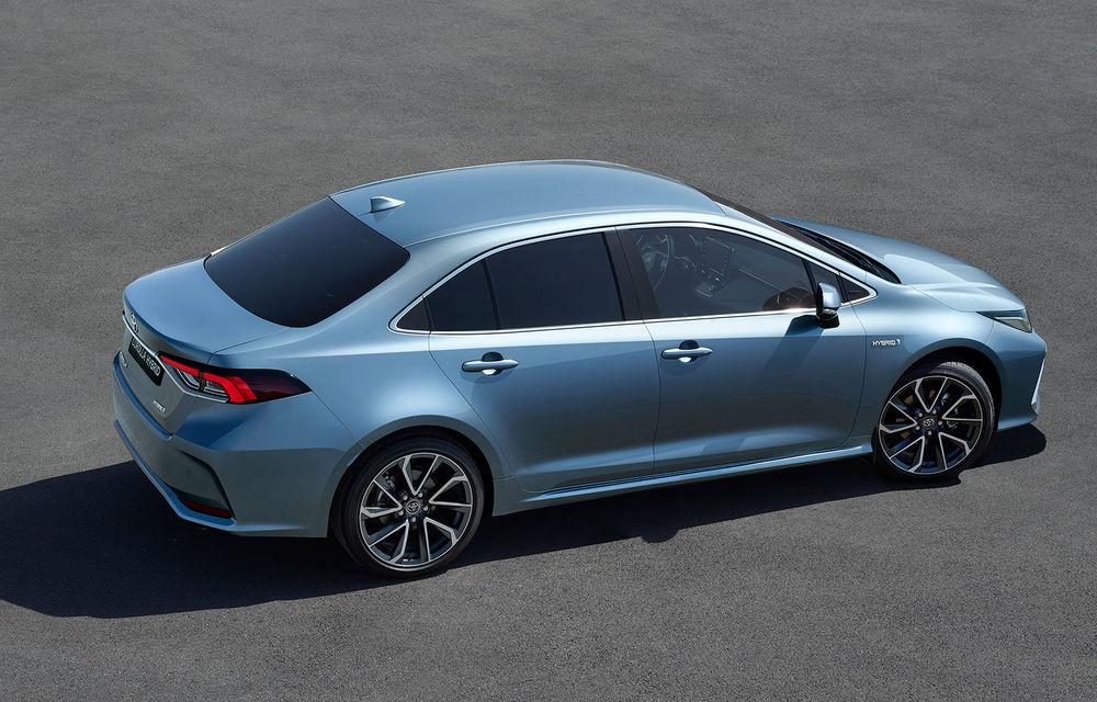 Toyota a prezentat noua generație a sedanului Corolla: platformă nouă și un singur sistem hibrid de propulsie cu 122 CP - Poza 3