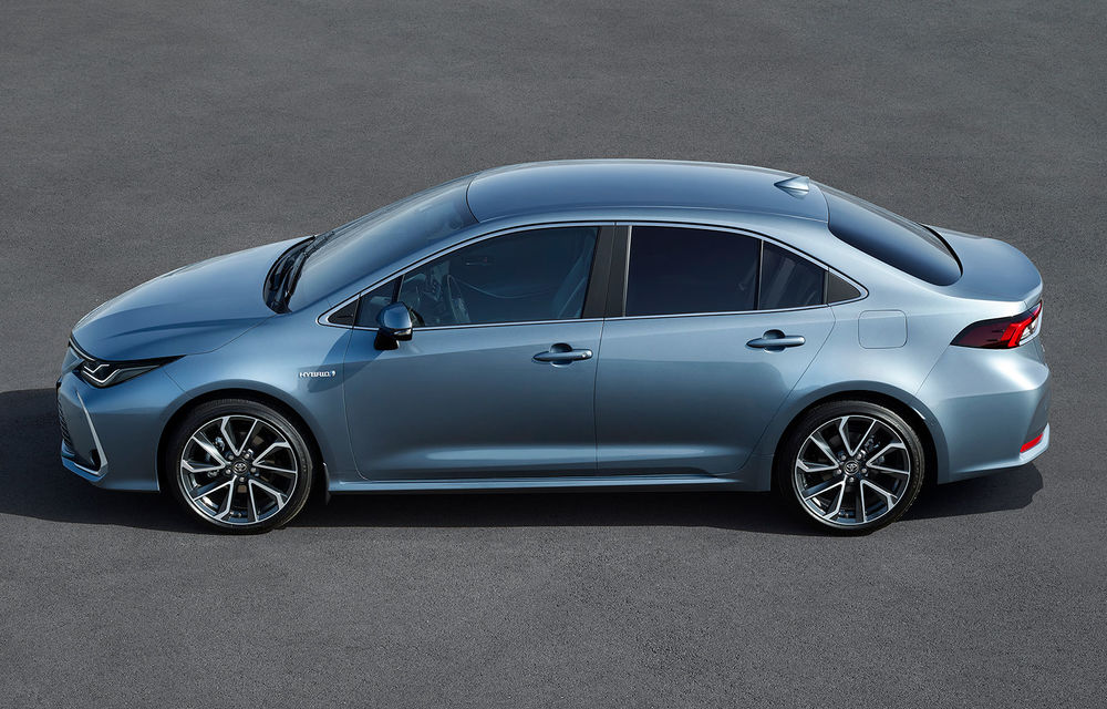 Toyota a prezentat noua generație a sedanului Corolla: platformă nouă și un singur sistem hibrid de propulsie cu 122 CP - Poza 2