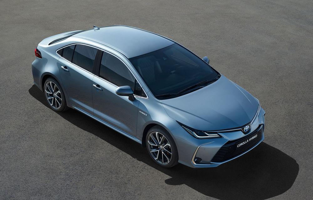 Toyota a prezentat noua generație a sedanului Corolla: platformă nouă și un singur sistem hibrid de propulsie cu 122 CP - Poza 1