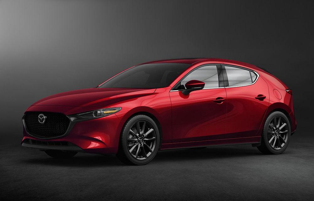 Noua generație Mazda 3: îmbunătățiri de design și debutul motorului pe benzină Skyactiv-X cu aprindere prin compresie - Poza 1