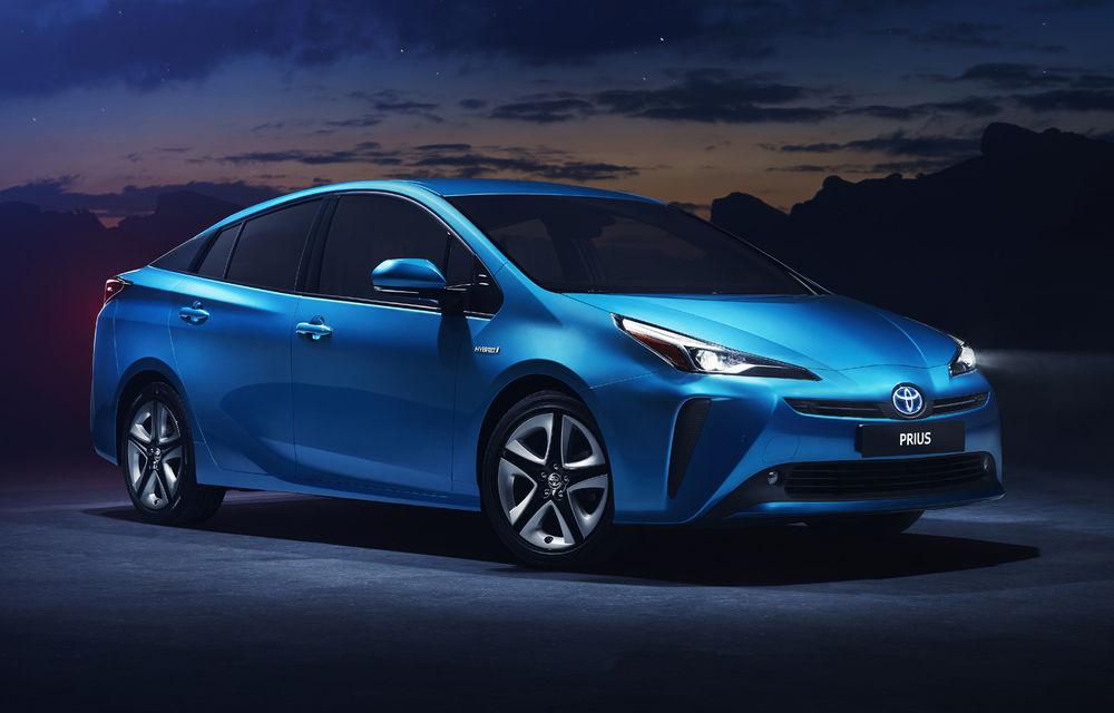Toyota Prius facelift: hibridul primește tracțiune integrală și modificări estetice subtile - Poza 1
