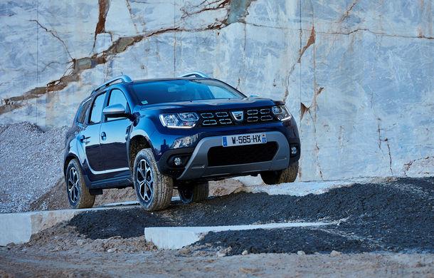 Uzina Dacia de la Mioveni a asamblat peste 310.000 de mașini în primele 11 luni ale anului: SUV-ul Duster s-a apropiat de 220.000 de unități - Poza 1