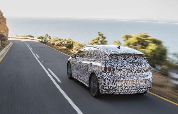 Primele imagini cu versiunea de serie a hatchback-ului Volkswagen ID: prezentarea modelului electric este programată în 2019 - Poza 8