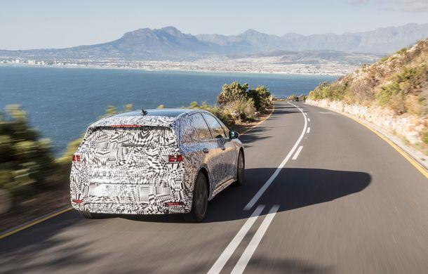 Primele imagini cu versiunea de serie a hatchback-ului Volkswagen ID: prezentarea modelului electric este programată în 2019 - Poza 9