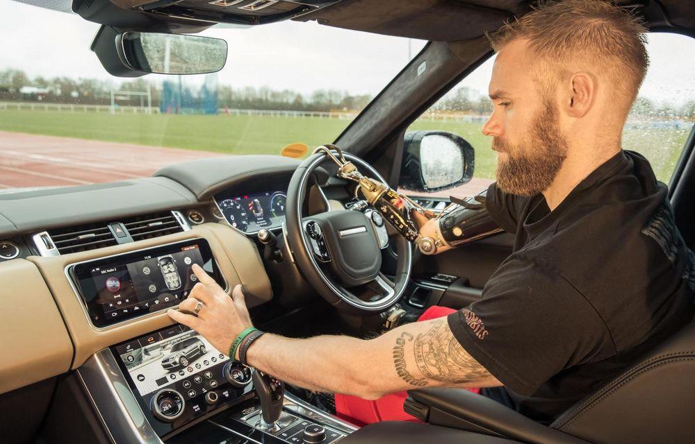 Jaguar Land Rover a dezvoltat o portieră care se deschide automat la apropierea șoferului: tehnologia permite și controlul prin gesturi - Poza 1