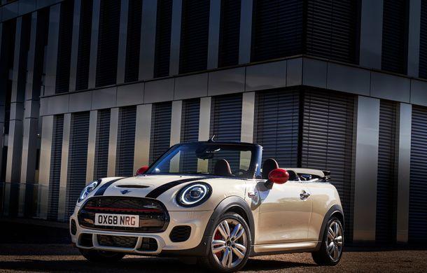 Mini John Cooper Works facelift revine în oferta producătorului britanic: motor pe benzină de 2.0 litri de 231 CP cu filtru de particule - Poza 15