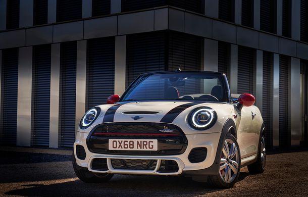Mini John Cooper Works facelift revine în oferta producătorului britanic: motor pe benzină de 2.0 litri de 231 CP cu filtru de particule - Poza 14
