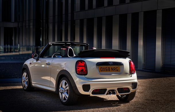 Mini John Cooper Works facelift revine în oferta producătorului britanic: motor pe benzină de 2.0 litri de 231 CP cu filtru de particule - Poza 28