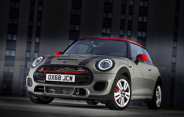 Mini John Cooper Works facelift revine în oferta producătorului britanic: motor pe benzină de 2.0 litri de 231 CP cu filtru de particule - Poza 8