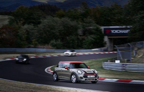 Mini John Cooper Works facelift revine în oferta producătorului britanic: motor pe benzină de 2.0 litri de 231 CP cu filtru de particule - Poza 7