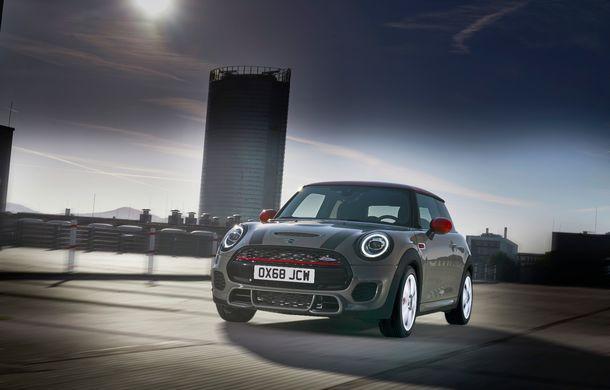 Mini John Cooper Works facelift revine în oferta producătorului britanic: motor pe benzină de 2.0 litri de 231 CP cu filtru de particule - Poza 4