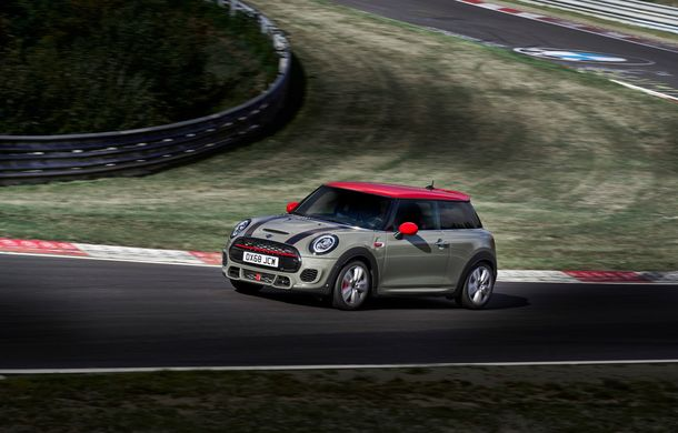 Mini John Cooper Works facelift revine în oferta producătorului britanic: motor pe benzină de 2.0 litri de 231 CP cu filtru de particule - Poza 5
