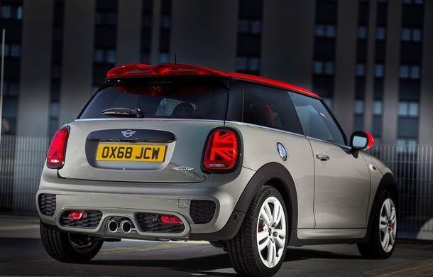 Mini John Cooper Works facelift revine în oferta producătorului britanic: motor pe benzină de 2.0 litri de 231 CP cu filtru de particule - Poza 10
