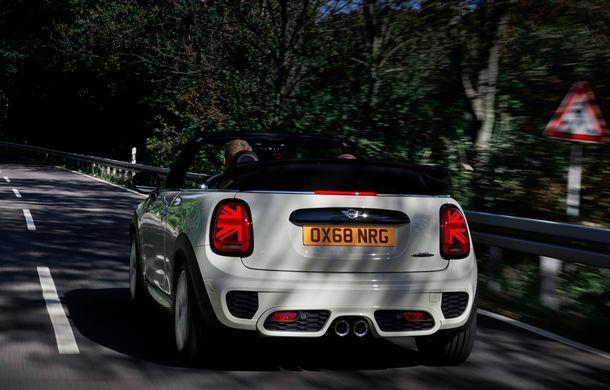 Mini John Cooper Works facelift revine în oferta producătorului britanic: motor pe benzină de 2.0 litri de 231 CP cu filtru de particule - Poza 27