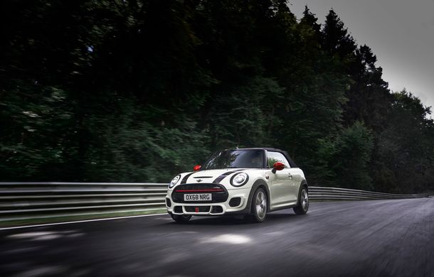 Mini John Cooper Works facelift revine în oferta producătorului britanic: motor pe benzină de 2.0 litri de 231 CP cu filtru de particule - Poza 24