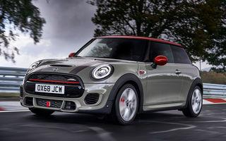Mini John Cooper Works facelift revine în oferta producătorului britanic: motor pe benzină de 2.0 litri de 231 CP cu filtru de particule