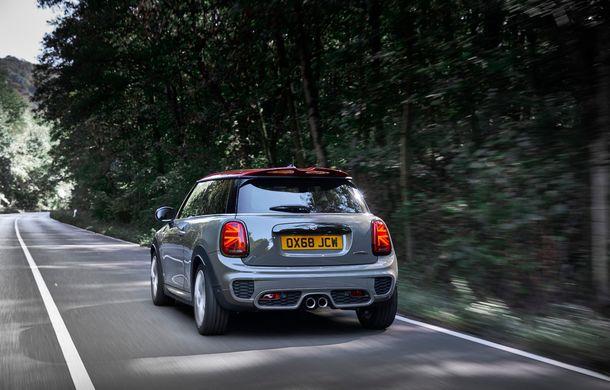 Mini John Cooper Works facelift revine în oferta producătorului britanic: motor pe benzină de 2.0 litri de 231 CP cu filtru de particule - Poza 12