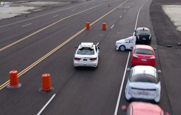 Toyota Guardian: japonezii prezintă un sistem autonom pentru mașini care intervine doar în situații de urgență - Poza 1