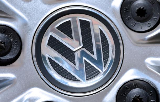 Volkswagen rămâne constructorul auto cu cele mai mari investiții în cercetare și dezvoltare: Daimler și Toyota completează podiumul - Poza 1