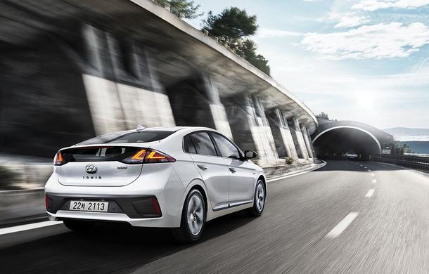 Hyundai Ioniq Hybrid și Plug-in Hybrid facelift: ecran de 10.25 inch și tehnologii preluate de la Kona Electric - Poza 2