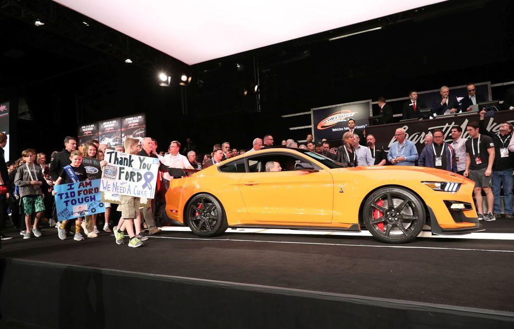 Primul exemplar al noului Shelby GT500, vândut la licitație cu 1.1 milioane de dolari: Ford va dona banii în scopuri caritabile - Poza 1