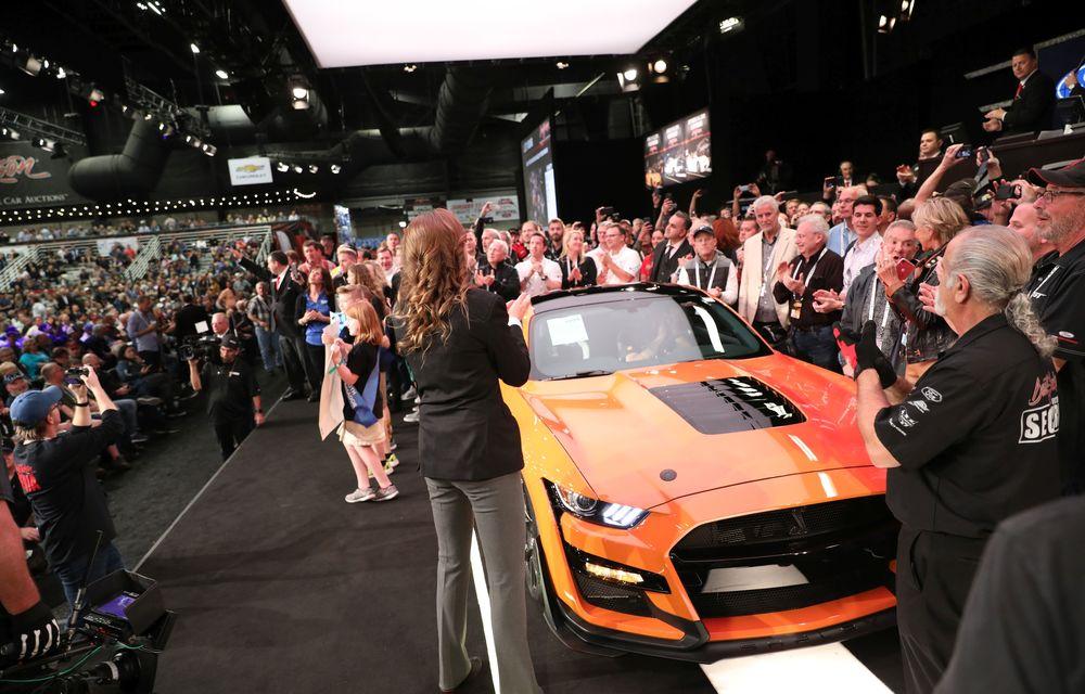 Primul exemplar al noului Shelby GT500, vândut la licitație cu 1.1 milioane de dolari: Ford va dona banii în scopuri caritabile - Poza 2
