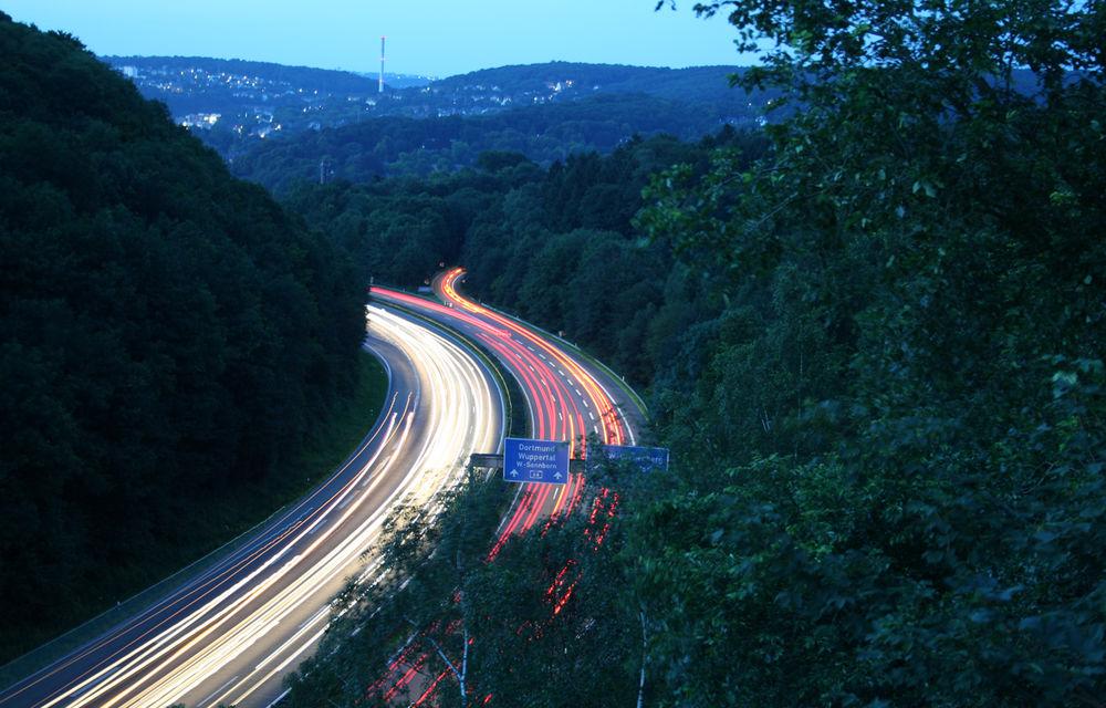 Germania pregătește limită de viteză de 130 km/h pe toate autostrăzile: taxe pe carburanți și alte măsuri pentru reducerea poluării - Poza 1