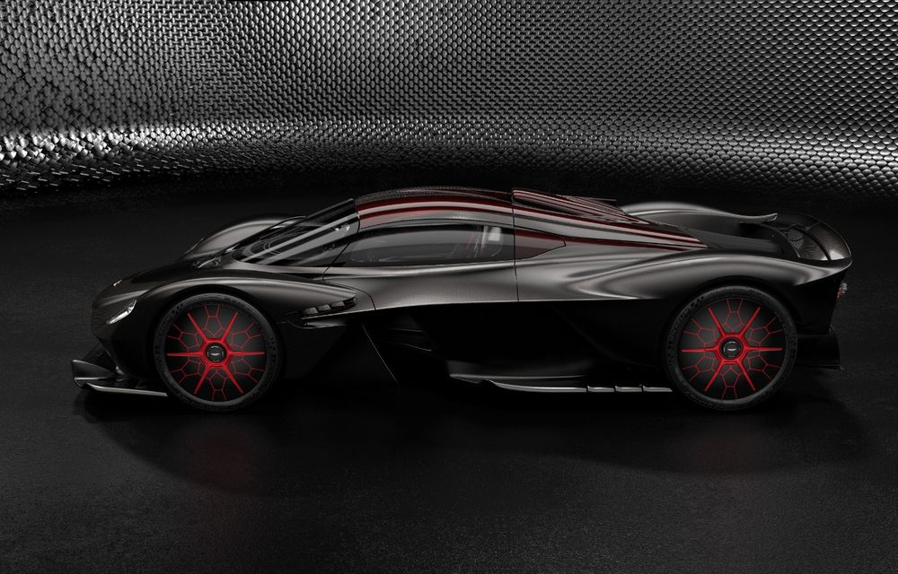 Aston Martin Valkyrie va primi o versiune AMR Track Performance: pachet aerodinamic nou, frâne din titan și suspensii pentru circuit - Poza 23