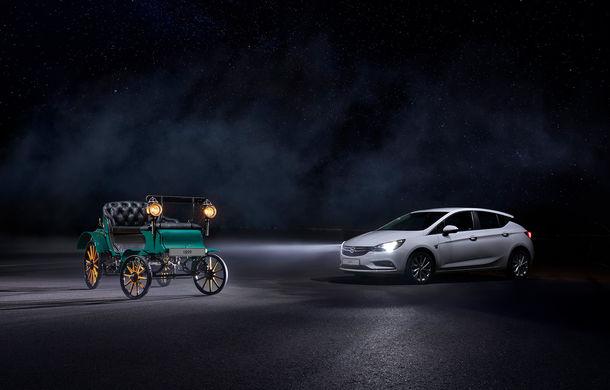 Trecut și viitor: de la lumânări la Matrix cu LED. O vizită în istoria farurilor Opel - Poza 8