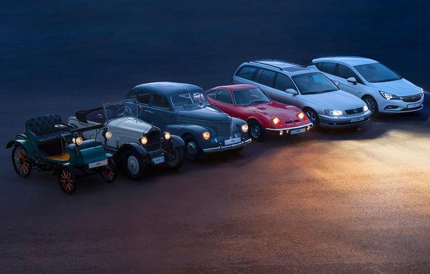 Trecut și viitor: de la lumânări la Matrix cu LED. O vizită în istoria farurilor Opel - Poza 1