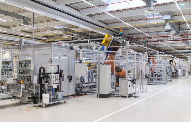 Daimler inaugurează o nouă linie de producție în România: la Sebeș vor fi construite, în premieră, cutii automate cu opt trepte cu dublu ambreiaj - Poza 1