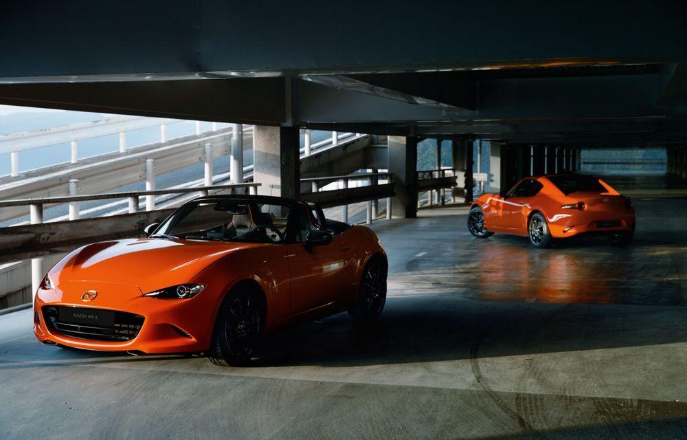Mazda a prezentat MX-5 30th Anniversary: ediția specială pregătită în cinstea celui mai popular roadster va fi disponibilă în 3.000 de unități - Poza 2