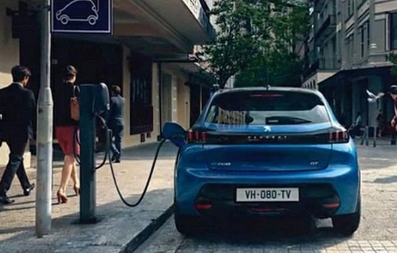 """Acesta este noul Peugeot 208: viitoarea generație a hatchback-ului de clasă mică, """"scăpată"""" pe internet înaintea debutului de la Geneva - Poza 6"""