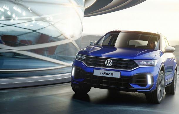 Volkswagen a prezentat noul T-Roc R: motor TSI de 2.0 litri cu 300 CP și 400 Nm, tracțiune integrală și 0-100 km/h în 4.9 secunde: debut la Geneva - Poza 3