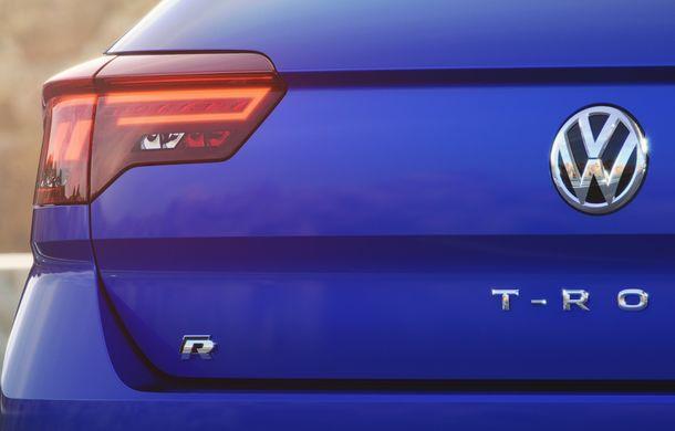 Volkswagen a prezentat noul T-Roc R: motor TSI de 2.0 litri cu 300 CP și 400 Nm, tracțiune integrală și 0-100 km/h în 4.9 secunde: debut la Geneva - Poza 6