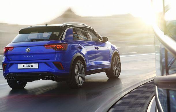 Volkswagen a prezentat noul T-Roc R: motor TSI de 2.0 litri cu 300 CP și 400 Nm, tracțiune integrală și 0-100 km/h în 4.9 secunde: debut la Geneva - Poza 5