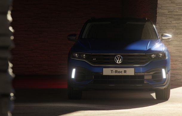 Volkswagen a prezentat noul T-Roc R: motor TSI de 2.0 litri cu 300 CP și 400 Nm, tracțiune integrală și 0-100 km/h în 4.9 secunde: debut la Geneva - Poza 7