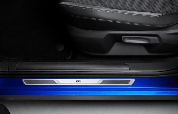 Volkswagen a prezentat noul T-Roc R: motor TSI de 2.0 litri cu 300 CP și 400 Nm, tracțiune integrală și 0-100 km/h în 4.9 secunde: debut la Geneva - Poza 25