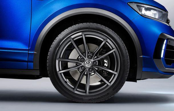 Volkswagen a prezentat noul T-Roc R: motor TSI de 2.0 litri cu 300 CP și 400 Nm, tracțiune integrală și 0-100 km/h în 4.9 secunde: debut la Geneva - Poza 19