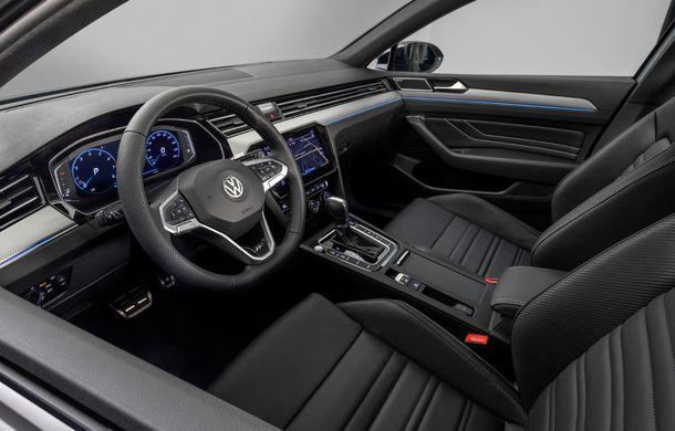 Volkswagen Passat Variant facelift primește o ediție specială: variantă R-Line limitată la 2.000 de unități - Poza 5