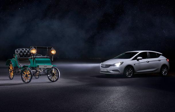 """Opel Astra și Insignia """"120 Years"""": ediții speciale cu ocazia celor 120 de ani de la fabricarea primului vehicul Opel - Poza 1"""
