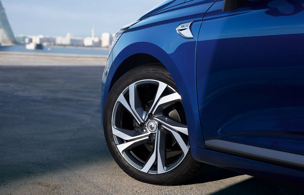 Am văzut pe viu noul Renault Clio: cinci lucruri pe care trebuie să le știi despre noul model francez - Poza 29
