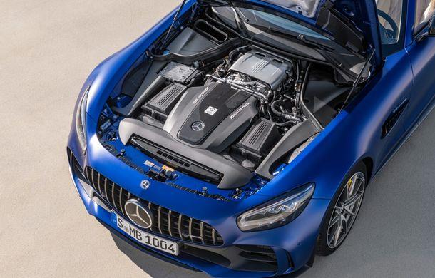Mercedes-AMG a prezentat noul AMG GT R Roadster: 585 de cai putere și 3.6 secunde pentru sprintul de la 0 la 100 km/h - Poza 18