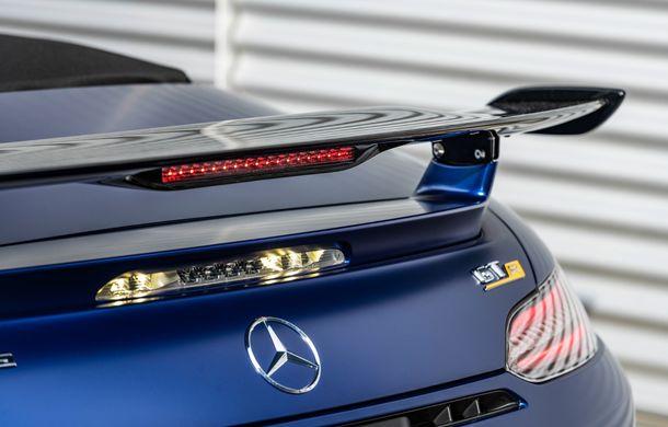 Mercedes-AMG a prezentat noul AMG GT R Roadster: 585 de cai putere și 3.6 secunde pentru sprintul de la 0 la 100 km/h - Poza 14