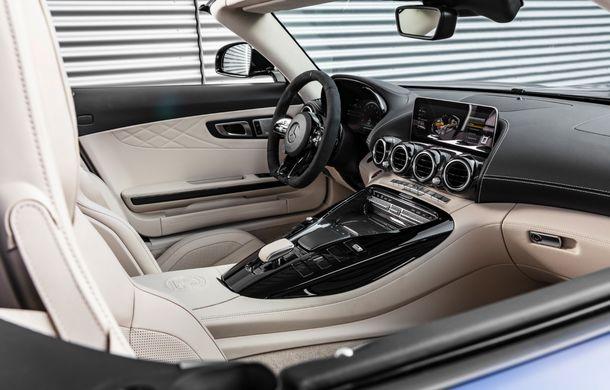 Mercedes-AMG a prezentat noul AMG GT R Roadster: 585 de cai putere și 3.6 secunde pentru sprintul de la 0 la 100 km/h - Poza 19