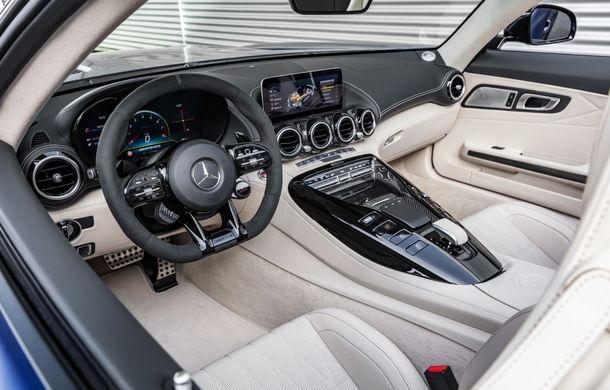 Mercedes-AMG a prezentat noul AMG GT R Roadster: 585 de cai putere și 3.6 secunde pentru sprintul de la 0 la 100 km/h - Poza 20